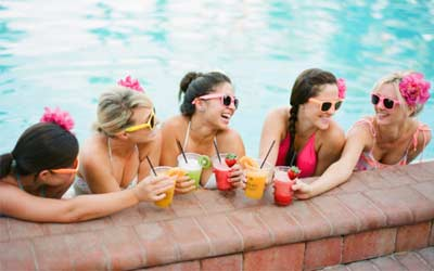 Bachelorette Party Tropical Themes - How To